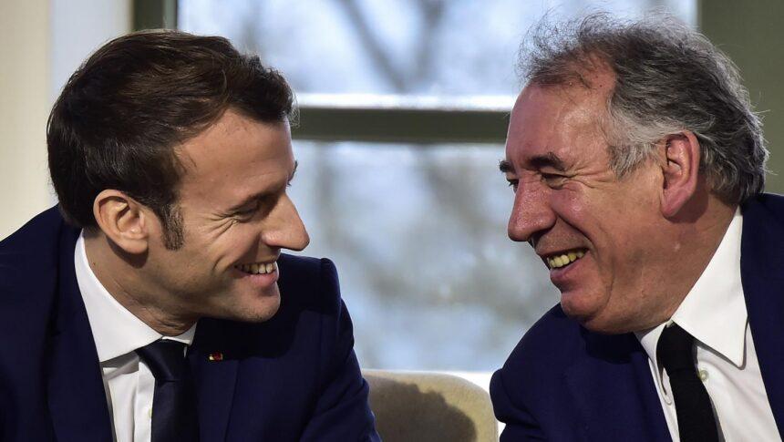 """VIDEO. """"Ce n'est pas un poste de ministre"""" : François Bayrou justifie sa nomination comme haut-commissaire …"""