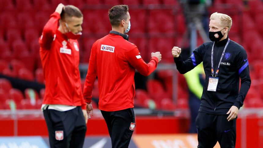 Oranje met Hateboer, Veltman en Aké in Nations League-duel met Polen