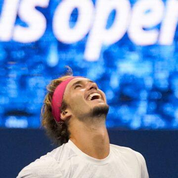 Nervenstark in Fünf-Satz-Krimi: Zverev kämpft sich ins Finale der US Open