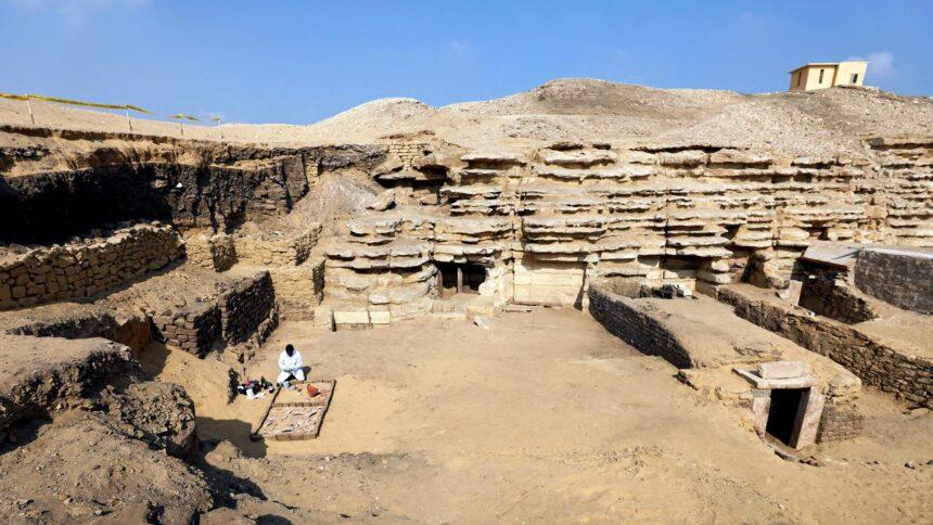 Egypte ontdekt 27 eeuwenoude 'goed bewaarde' doodskisten