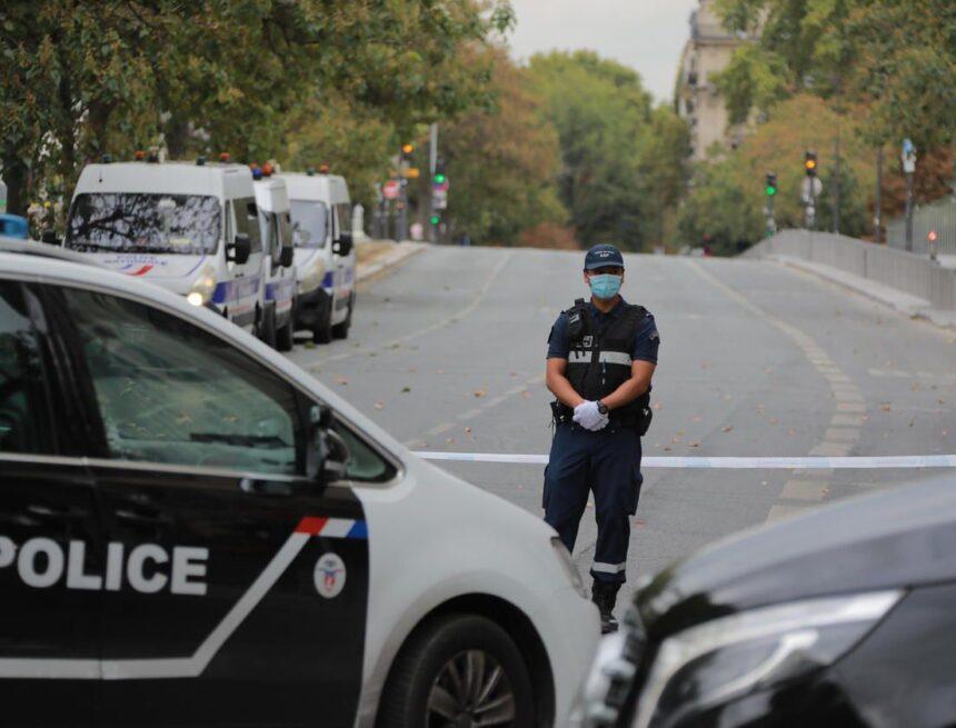 Paris : alerte à la bombe à la tour Eiffel, le quartier évacué
