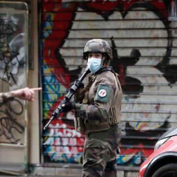 Paris: Anti-Terror-Ermittlungen nach Messerattacke in Paris