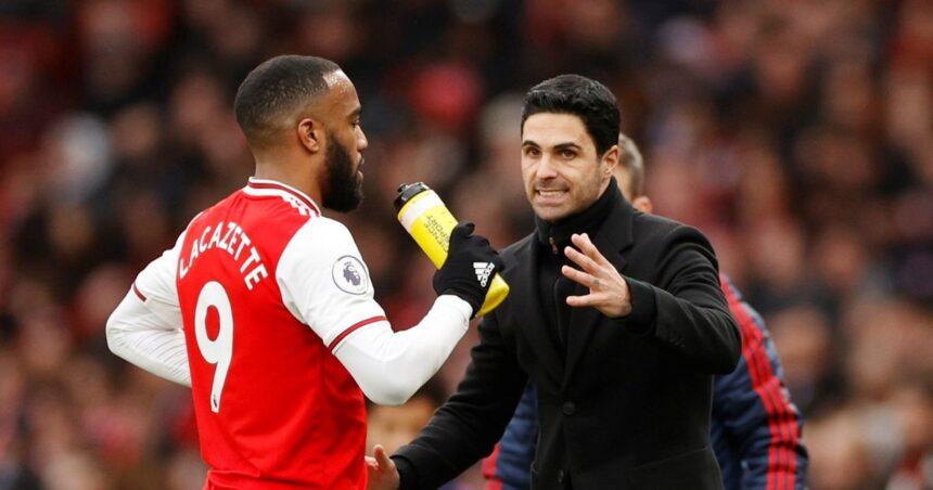 Alexandre Lacazette dropped by Arsenal as transfer deadline looms