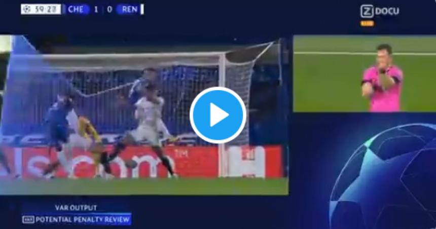Schandalig: scheidsrechter geeft absurde penalty én rood bij Chelsea-Rennes