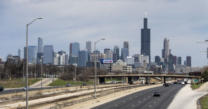 Chicago issues stay-home 'advisory,' 10-person limit on social gatherings