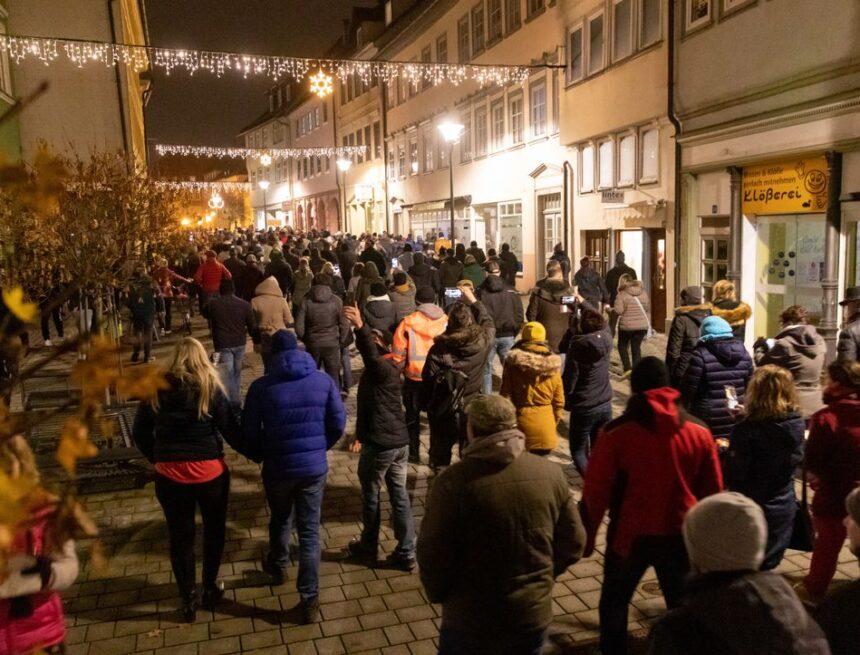 Aufzug gegen Corona-Maßnahmen: Polizei in Hildburghausen setzt Pfefferspray ein