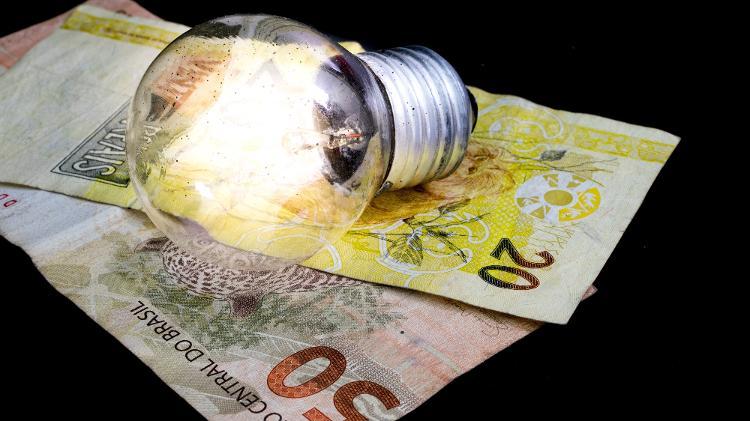 Deputados tentam suspender taxa extra na conta de luz em dezembro