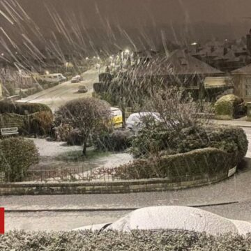 Disruption after 'thundersnow' hits Scotland