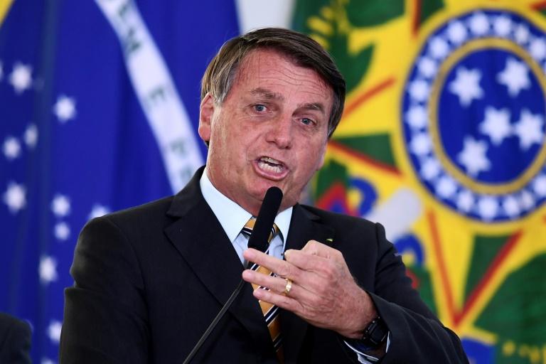 Bolsonaro: com certificação da Anvisa, vacina será gratuita e não obrigatória