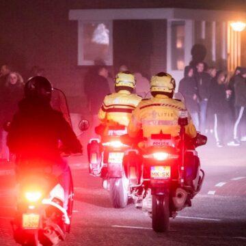 Groep jongeren met vuurwerk zorgt opnieuw voor onrust in Urk