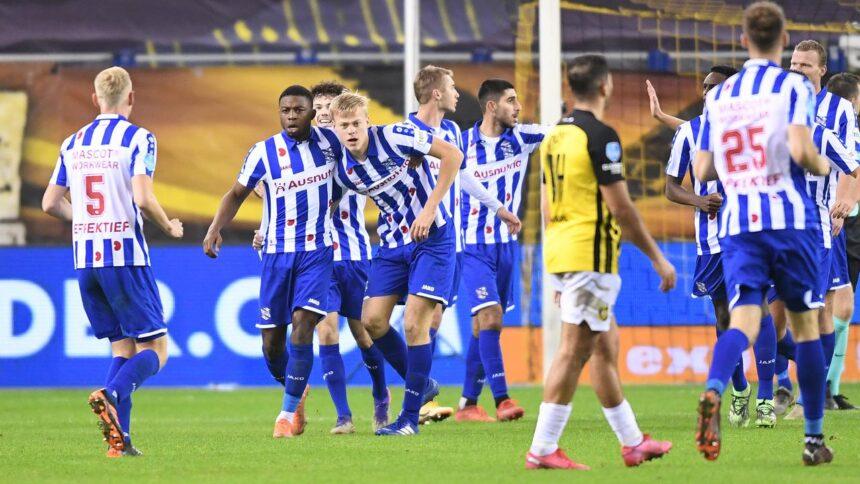 Vitesse speelt gelijk tegen Heerenveen en ziet koploper Ajax uitlopen