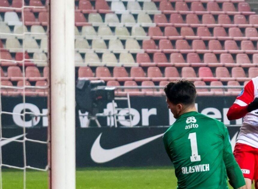 Onmachtig Heracles komt fouten Blaswich niet te boven: Utrecht wint weer thuisduel