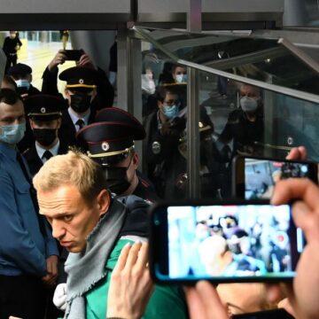 Aanhangers van Navalny: 'Dat hij zo snel terugkomt, is ongelofelijk'