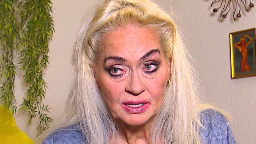 Dschungelshow 2021: Ex-Playmate Bea Fiedler hat seit 20 Jahren keinen Kontakt zu ihrem Sohn