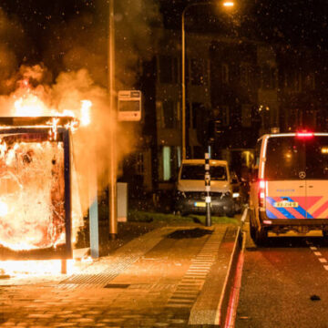 Rellen in zeker tien gemeenten, ziekenhuis in Enschede bekogeld