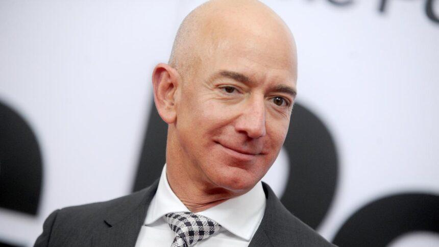 Oprichter Jeff Bezos treedt dit jaar terug als CEO van Amazon