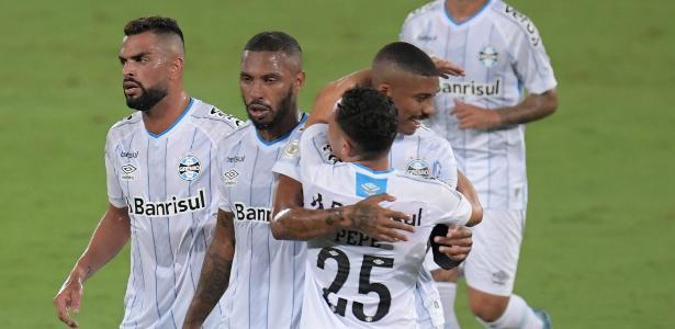 Grêmio vence rebaixado Botafogo por 5 a 2 e acirra briga por Libertadores