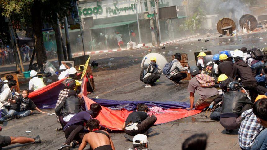 Sicherheitskräfte eröffnen Feuer: 33 Demonstranten in Myanmar getötet