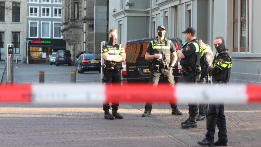 Politie houdt man aan na valse bommelding bij Binnenhof