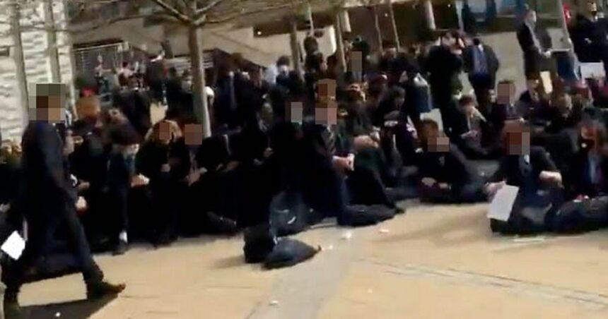 Pimlico Academy: Angry pupils stage mass walk-out at school's 'racist' uniform policy