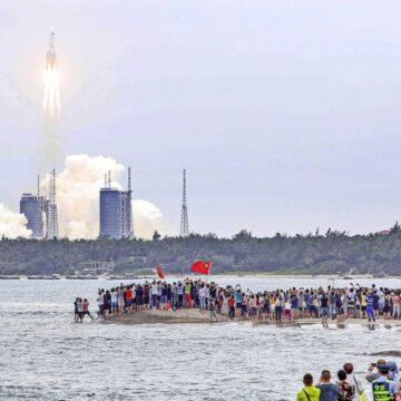 Chinese raket stort neer, maar waar? 'Gelukkig bestaat 71% van de aarde uit water'