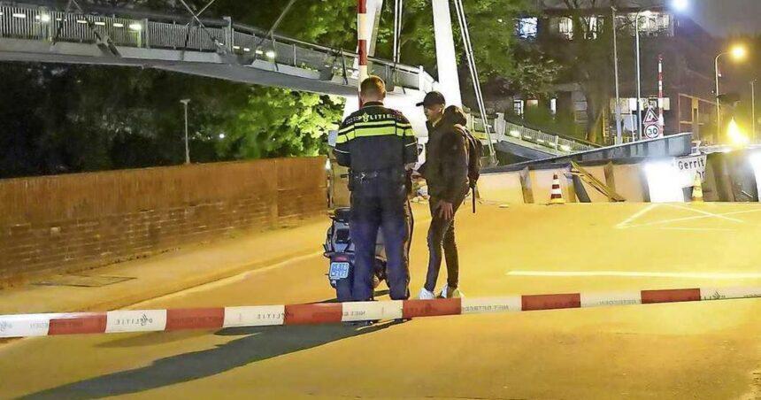 Jesse (21) reed met scooter op brug Groningen toen schip erop klapte: 'Leek wel aardbeving'