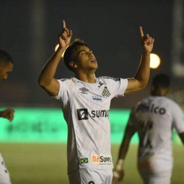 """Diniz torce pela permanência de Kaio Jorge no Santos: """"Joga com maturidade de 25 anos"""""""