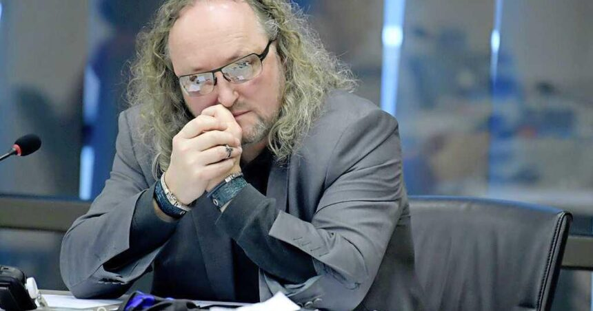 'Dion Graus mocht tijdelijk Kamergebouw niet in na nieuwe beschuldiging van misbruik'