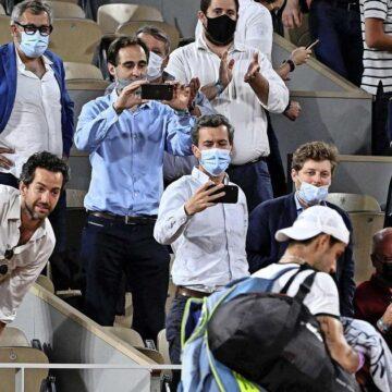 Novak Djokovic wint door boze fans verstoorde kwartfinale Roland Garros
