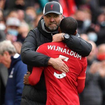 Klopp zwaait Wijnaldum uit: 'Je bent voor altijd een Liverpool-legende'