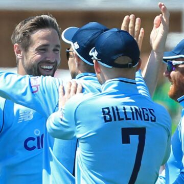 Chris Woakes and Joe Root lead the way as England ease to victory over Sri Lanka in first ODI