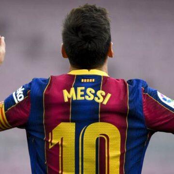 Het is 1 juli: Messi is transfervrij nu contract bij Barcelona is afgelopen