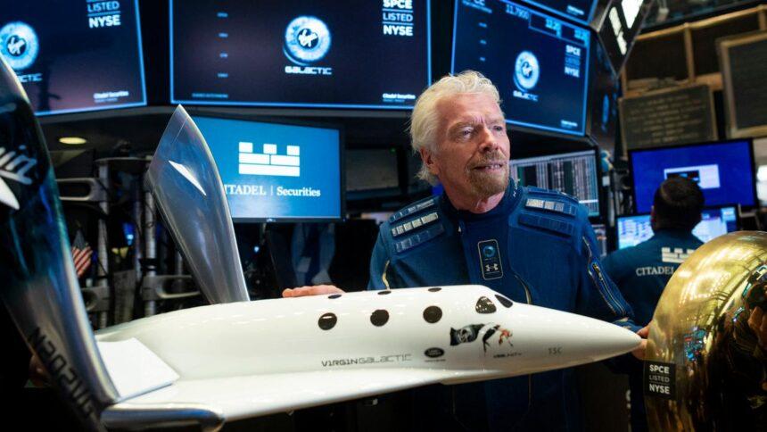 Miljardairs in 'marketingrace' naar de ruimte: 'Altijd risico dat iets misgaat'