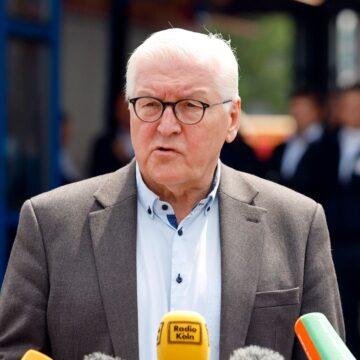 Kritik an Auftritt im Katastrophengebiet: Steinmeier spricht Flutopfern Beileid aus