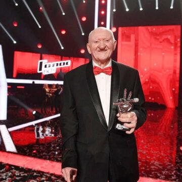 Победителем шоу «Голос 60+» стал 97-летний ветеран ВОВ