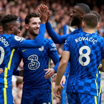 Koploper Chelsea walst over hekkensluiter Norwich City van Krul heen